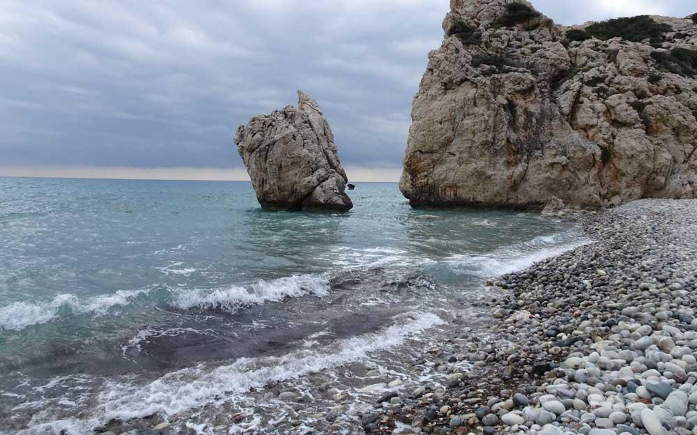 Die Geburtsstätte der Aphrodite. Die eindrückliche Felsformation liegt an einer der schönsten Küsten Zyperns.